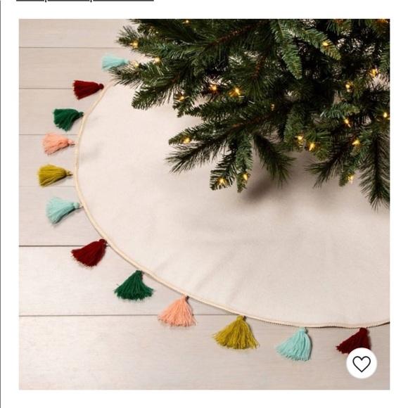 Opalhouse Holiday Christmas Tree Felt Skirt With Tassels